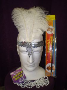 !920's Gatsby headband, peals and cigarette holder