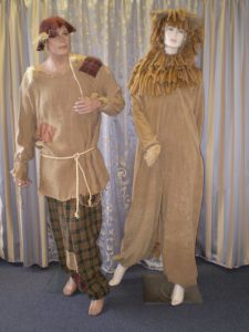 Wizard of Oz costumes Scarecrow & cowardly Lion