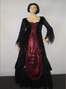 Plus size Lady Vampire costume.