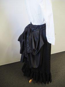 Edwardian bustle skirt in black