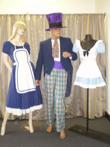 Alice in Wonderland costumes and Mad hatter costumes