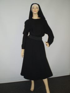 Novice Nun costume, Sound of music style