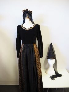Black & gold size 10 Medieval dress to hire.